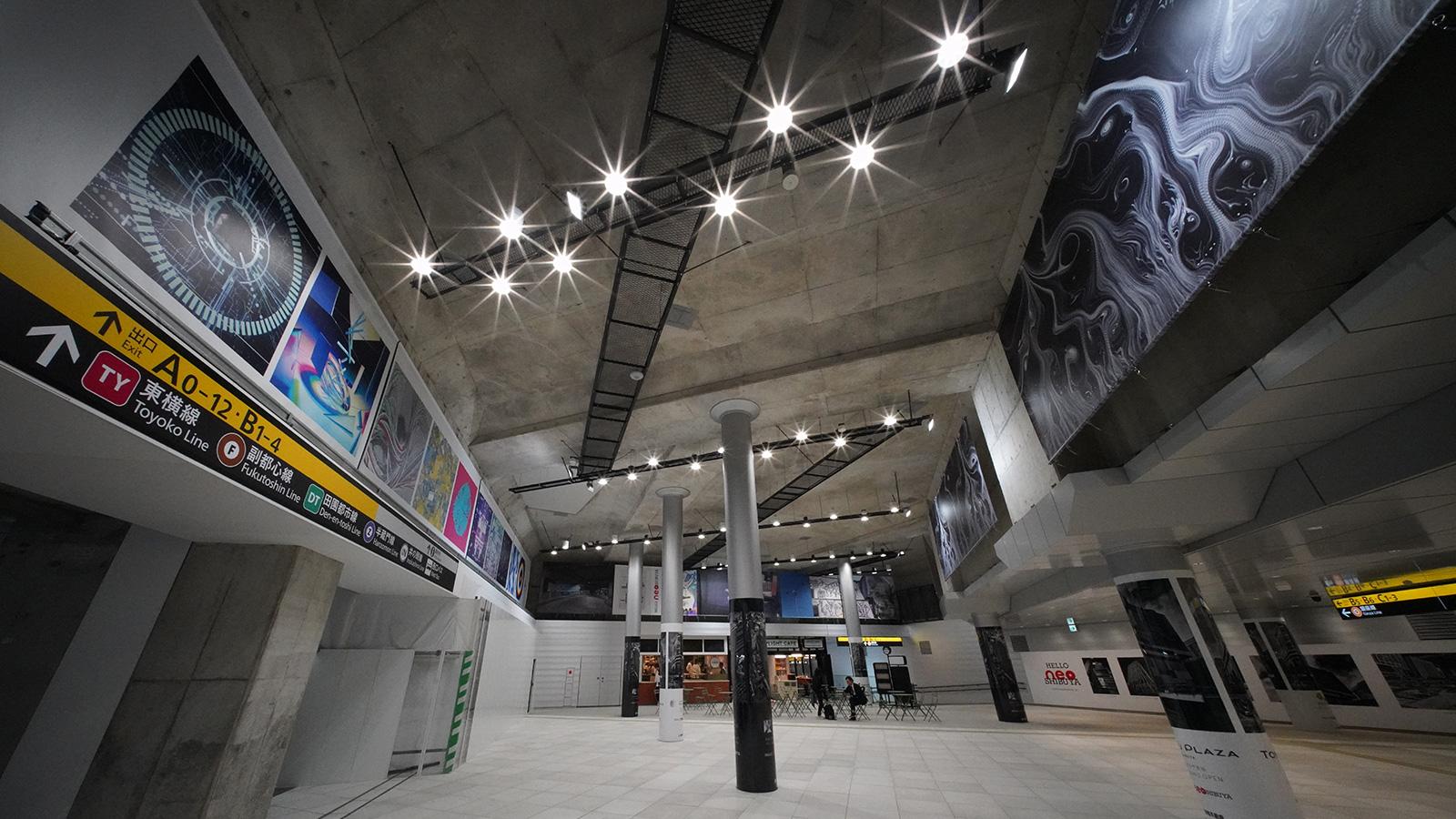 渋谷駅東口地下広場でアーティスト20人によるギャラリーを開催!