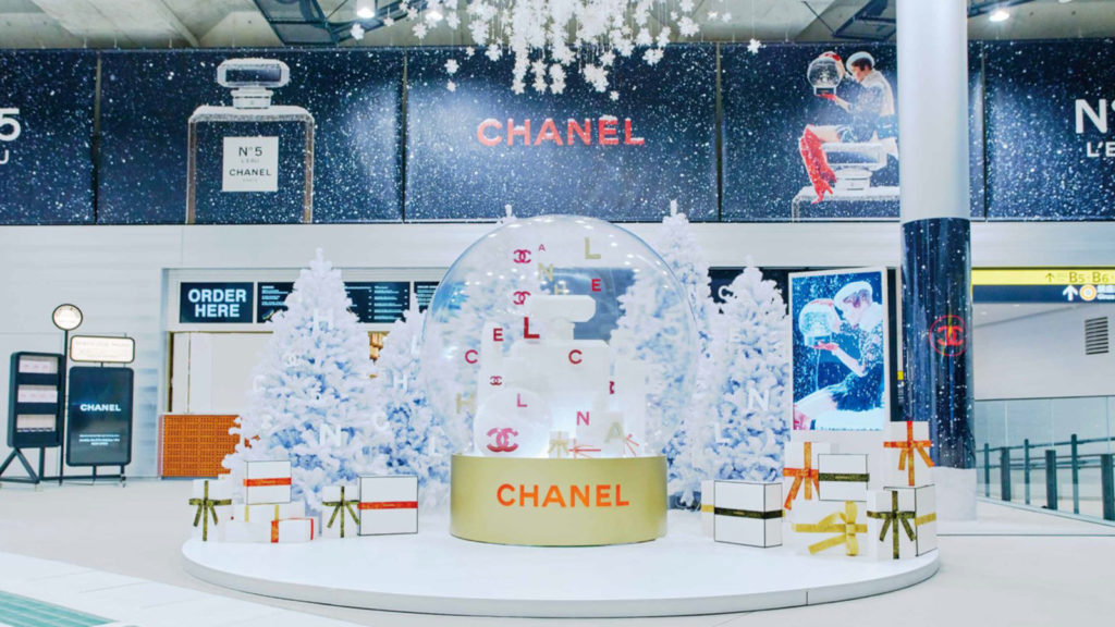 CHANEL HOLIDAY 2019 スノードーム